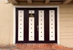 Puerta del garaje fotos de archivo libres de regalías