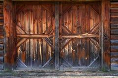 Puerta del granero viejo fotos de archivo