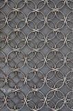 Puerta del hierro del vintage con el modelo de los círculos Fotografía de archivo