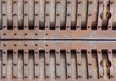 Puerta del hierro labrado, puerta, cerca, ventana, parrilla, cercando diseño con barandilla sistema de la frontera del vintage ce Imagen de archivo libre de regalías