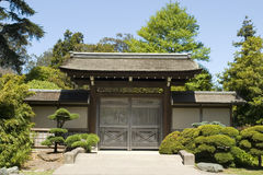 Puerta del jardín de té del frente Imágenes de archivo libres de regalías
