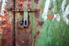 Puerta del metal de Grunge Fotografía de archivo libre de regalías