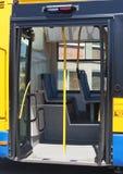 Puerta del omnibus de la ciudad imágenes de archivo libres de regalías