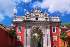 Puerta del palacio de Dolma Bache, Estambul Imágenes de archivo libres de regalías