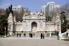 Puerta del palacio de Dolmabahce Imagen de archivo libre de regalías