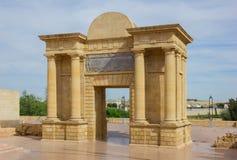 Puerta del Puente, Córdova, a Andaluzia, Espanha Fotografia de Stock