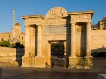 Puerta del Puente Córdova, a Andaluzia spain Fotos de Stock Royalty Free