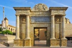 Puerta del Puente en Córdoba, España Fotos de archivo libres de regalías
