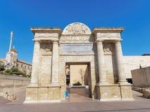 Puerta Del Puente - port till den gamla staden av Cordoba, Andalusia, Spanien Arkivfoton