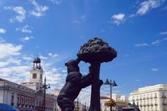 Puerta del Sol, αντέχει και το δέντρο Madrona Στοκ Εικόνες