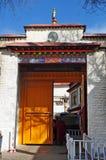 Puerta del templo de Ramoche Imágenes de archivo libres de regalías