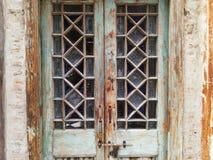 Puerta del vidrio y de madera de la falta de definición de la ventana del vintage Fotos de archivo libres de regalías