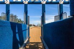 Puerta el comenzar interior de la carrera de caballos Foto de archivo