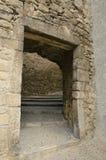 Puerta en el callejón de piedra fotografía de archivo libre de regalías
