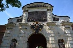Puerta en el Peter y Paul Fortress fotos de archivo