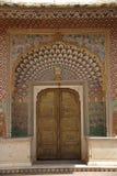 Puerta en Jaipur, Rajapasthan Fotos de archivo libres de regalías