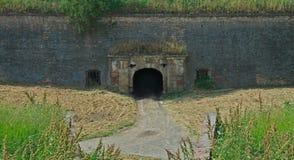 Puerta en la fortaleza de Petrovaradin en Novi Sad, Serbia fotos de archivo