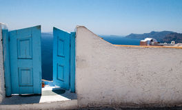 Puerta en Santorini Stock Photography
