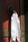 Puerta en un templo del monasterio budista Foto de archivo
