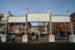 Puerta en Vancouvers Chinatown, Canadá imagen de archivo