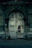 Puerta frecuentada Fotos de archivo libres de regalías