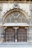 Puerta gótica grande Imagen de archivo libre de regalías
