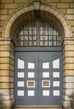 Puerta grande de la prisión foto de archivo libre de regalías