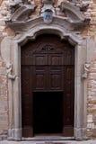 Puerta italiana vieja. Foto de archivo libre de regalías
