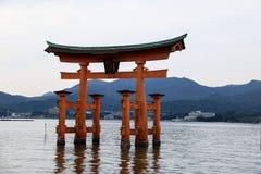 Puerta Japón de Torii Imágenes de archivo libres de regalías
