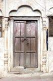 Puerta la India del templo viejo con el arco Imagenes de archivo