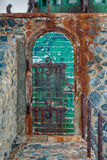 Puerta llevada tiempo Foto de archivo libre de regalías