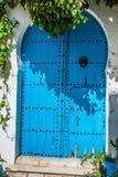 Puerta local típica del hogar tradicional; Túnez; Túnez Foto de archivo