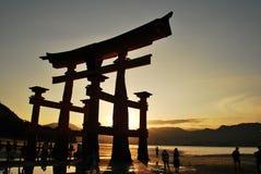 Puerta majestuosa del torii Imagen de archivo libre de regalías