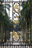 Puerta malasia del palacio Imagen de archivo libre de regalías