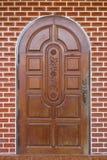 Puerta marrón de madera Imagen de archivo libre de regalías