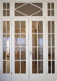 Puerta moderna en sala de estar Imagen de archivo