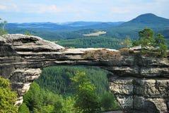 Puerta natural de la piedra arenisca del brana de Pravcicka Fotos de archivo libres de regalías