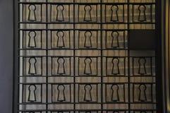 Puerta negra del hierro imagenes de archivo