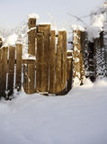 Puerta nevosa vieja Imagen de archivo