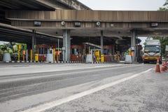 Puerta para el pago de la tarifa de la autopista en Bangkok por EXAT Foto de archivo libre de regalías