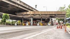 Puerta para el pago de la tarifa de la autopista en Bangkok por EXAT Imágenes de archivo libres de regalías
