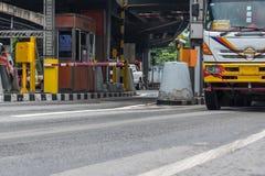 Puerta para el pago de la tarifa de la autopista en Bangkok por EXAT Foto de archivo