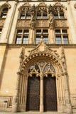 Puerta porta adornada de la corte del magistrates' que construye Amtsgericht Magdeburgo en Magdeburgo Fotos de archivo