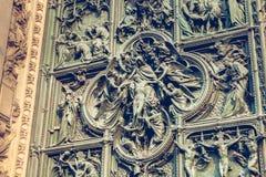 Puerta principal de la catedral de Milán Imagen de archivo libre de regalías