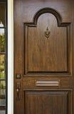 Puerta principal de madera Foto de archivo libre de regalías