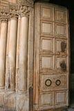 Puerta principal de Santo Sepulcro Imágenes de archivo libres de regalías