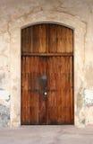 Puerta resistida Imágenes de archivo libres de regalías
