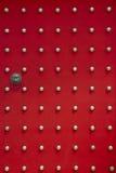 Puerta roja antigua del templo Fotografía de archivo libre de regalías