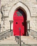 Puerta roja de la iglesia Foto de archivo libre de regalías