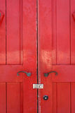 Puerta roja de madera vieja Fotografía de archivo
